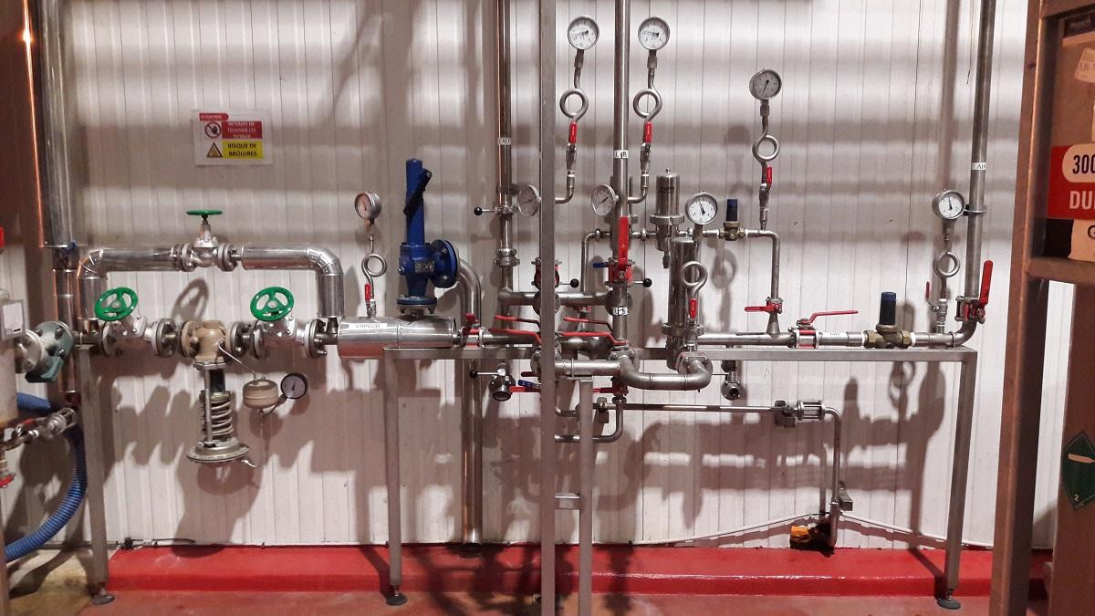 Panoplie air stérile et poste de détente vapeur
